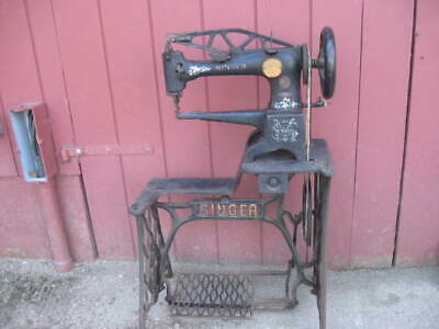 """Old Used Vintage Leather """"Boot"""" Singer Sewing Machine 29-4 Model Treadle"""