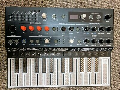 Arturia MicroFreak Hybrid Analog/Digital Synthesizer - Hardly used. Mint.