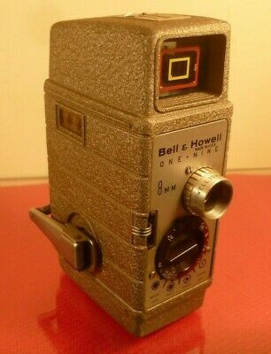 BELL & HOWELL ONE-NINE SUNDIAL 8mm CINE MOVIE CAMERA: MADE IN USA: WITH CASE