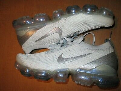 Mens Nike Air Vapormax flyknit 3 size 09.0 white and silver