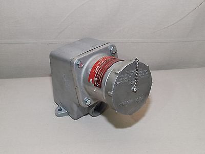 Eaton Crouse-Hinds SRD6484D Dead Front Interlocked Receptacle 60A, 480V, 4P -NEW