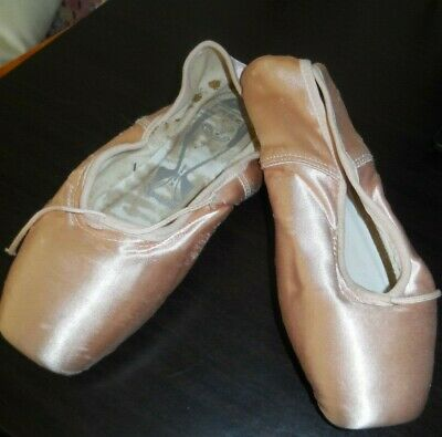 VINTAGE PAIR OF PINK SILK SATIN BALLET SHOES w/LEATHER SOLES made in England (1)
