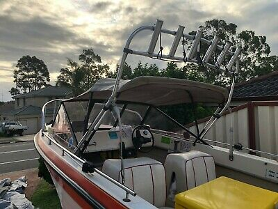 Sundance Mariner 4.6m fibreglass runabout, forward steer 40hp Yamaha