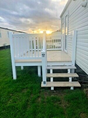 Upvc Caravan Decking 7 X 9  With  Steps Good Condition White With Cream Boards