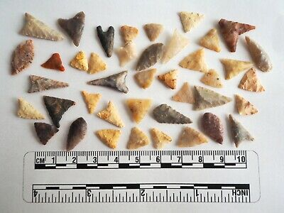Miniature Neolithic Arrowheads x 40 - 4000BC - (086)