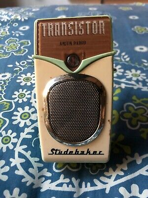 Studehaker AM/FM Portable Radio Transistor Vintage Made In Geelong Victoria