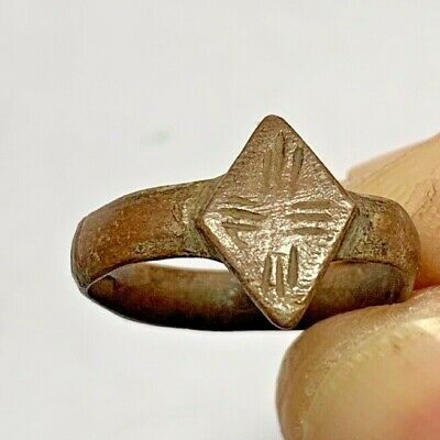 ANCIENT BYZANTINE BRONZE CRUSADERS SEAL RING WITH CROSS MOTIF 2.3gr (inner 18mm)