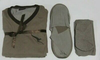 Brand New Qantas First Class Pyjama Set Shirt Pants Slippers & Socks Size Large