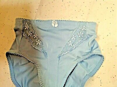 vintage hi-cut light support panties small--lovely lace-blue