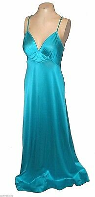 Night Gown, Vintage 1970s, Vanity Fair, Turquoise Quilted Antron-III-Nylon, 32