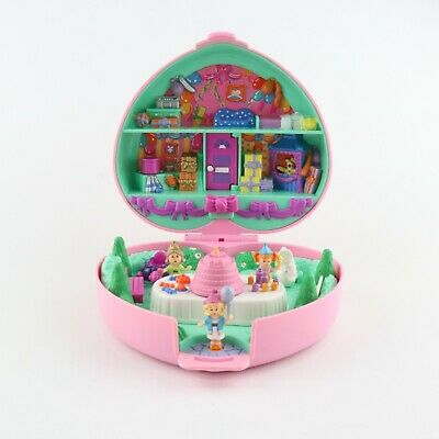 POLLY POCKET 1992 Birthday Party Partytime Stamper *COMPLETE w/ FIGURES & CAKE*
