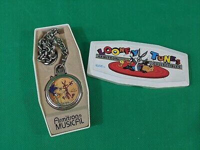 LOONEY TUNES Armitron Musical Pocket Watch ROAD RUNNER and WILE E. COYOTE