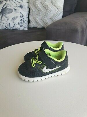 Nike Kids Black Fluro Yellow Sneakers Runners US 5C