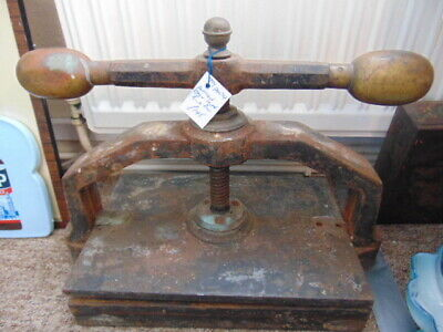 ANTIQUE CAST IRON BOOK PRESS (Wooden Handled)