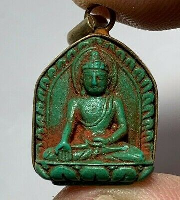 RARE PENDANT SILVER COLOURED FAIENCE SEATED (BUDDHA PRAYING FIGURINE) 5.1gr 35mm