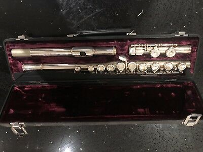Flute Buffet Crampon Paris BC AKC 228(Cooper scale E) in case. Made In England.