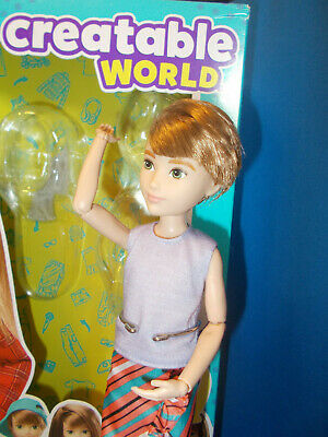 Createable World Doll cs-619, Original box w/extra skirt and shoes