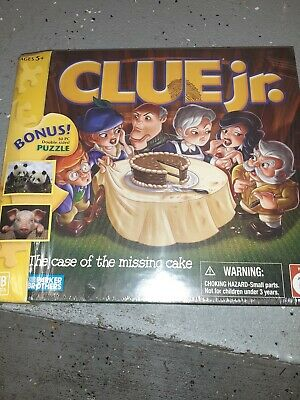 CLUE JR The Case of the Missing Cake Hasbro Gaming 0409 S5