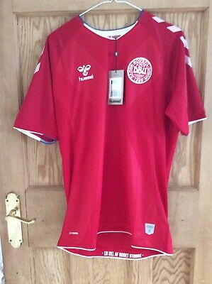 hummel football shirt Denmark Home Red New With Tags Size M