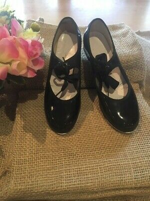 Tap shoes, Theatricals USA, patent leather, black, girls Sz 3.5M. As new!
