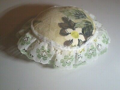 Green Floral & Lace Pin Cushion