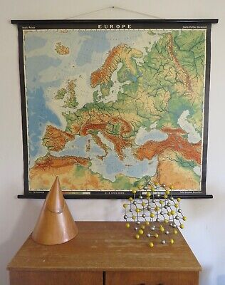A Stunning Original Vintage Geographical Map Of  Europe  Circa 1965