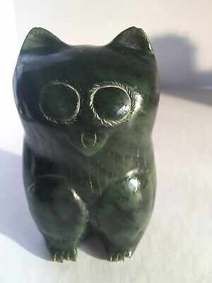 Vintage Adorable Green Jade Carved Owl Statue