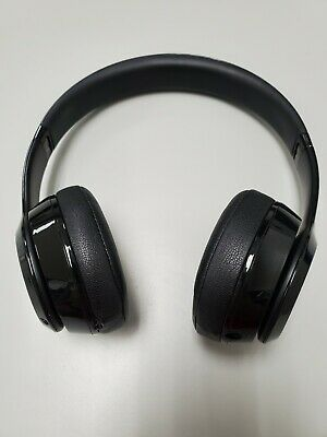 Beats by Dr. Dre Solo3 Wireless Over the Ear Headphones - Gloss Black (MNEN2LL/…