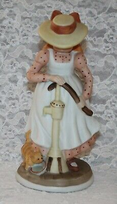 Vintage 1974 Holly Hobbie Figurine - Girl With Cat At Water Pump