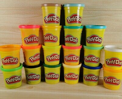 PLAY-DOH Tubs, Pack of 18 Rainbow Assortment Colours (18 x 84g) Brand New