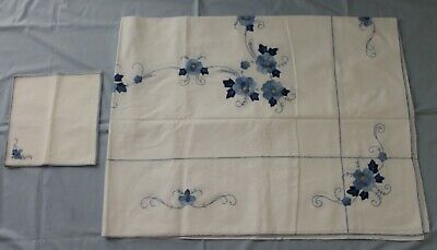Vintage Blue Floral Applique Rectangle Tablecloth + 6 Napkins