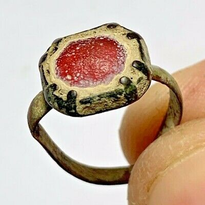 ANCIENT ROMAN SILVER RING WITH GLASS RARE RED STONE 100 AD 8gr  23mm