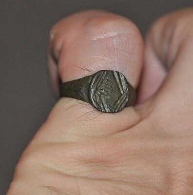 Antiguo Authentic Romano Imperio Legionario Soldado Bronce Usable Anillo Sz Us 8