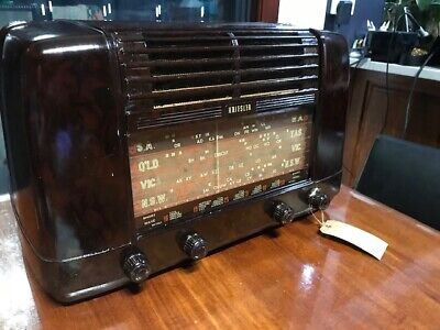 Vintage valve radio Kriesler 11-28 1952. Working condition.