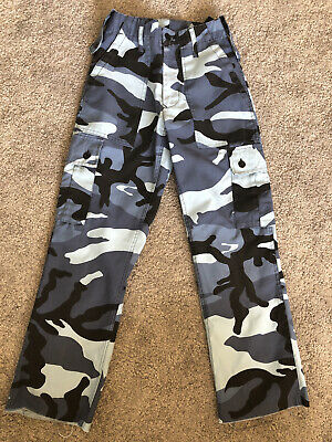 Urban Outfitters Renewal Vintage Blue Camo Cargo Trousers Size 26. Exc Cond