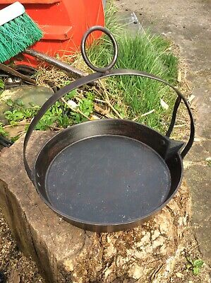 """11"""" Vintage Solid Cast Iron Swing Skillet Romany Gypsy Frying Pan"""