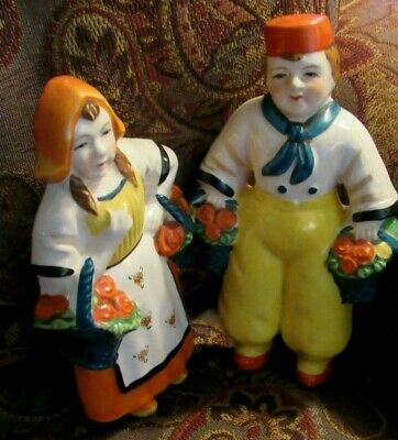Estate  Pair HAND PAINTED  FIGURES Wall Hangings DUTCH TRADITIONAL CLOTHING