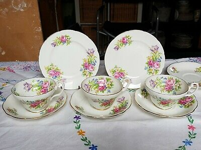 Vintage stunning pretty open pink roses floral bone china teacups & saucers