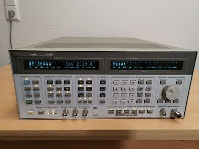 HP 8644A Synthesized Signal Generator 0.26-1030 MHz + Options 001, 005, 007