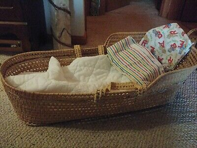 Vintage 1983 Palm Leaf Moses Basket Baby/doll w pad and blankets VT pick up