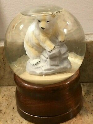 Glass Polar Bear Snow Globe ~ Talk To The Animals