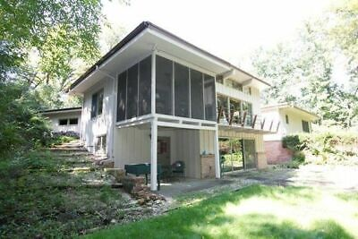 Mid-Century Modern House on Private 1.7 Acre Wooded Lot Frank Lloyd Wright Style
