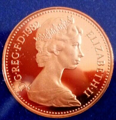 1982 1p and half penny proof Coins. Mint perfect, low Mintage of proof