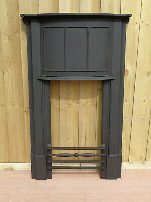 Victorian Cast Iron Fireplace Front with Fire Bars & Lugs. Fits Flat to Wall