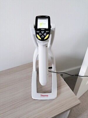 *E1 Cliptip Electronic Adjustable Multichannel Pipette & Charging Stand*