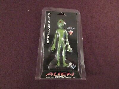 Reptilian Alien from Alien Series Set 2 with Trading Card MIP Shadowbox