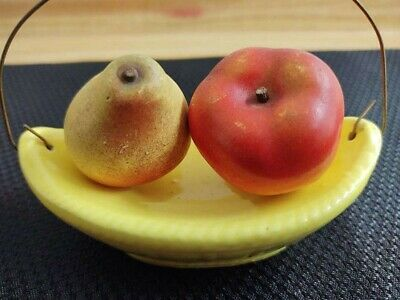 Vintage fruit in bowl salt/pepper shakers from Il. State Fair 1958