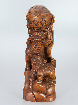 Chinese old Exquisite Handmade Lion and hydrangea carving Boxwood statue