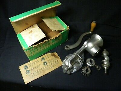 Vintage Universal Food & Meat chopper # 2 in original box, excellent condition