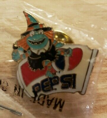 Vintage Pepsi Halloween Event Pin Witch Riding Can Hat Lapel Pin NEW in Package
